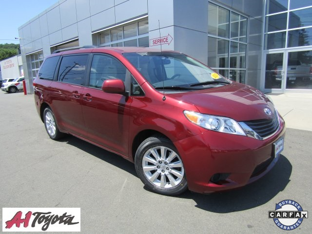 Certified Pre-Owned 2011 Toyota Sienna LE